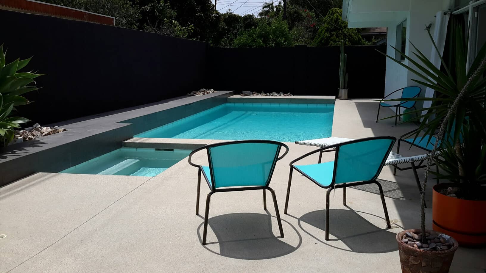 Make Your Swimming Pool Sparkle In the Winter!!